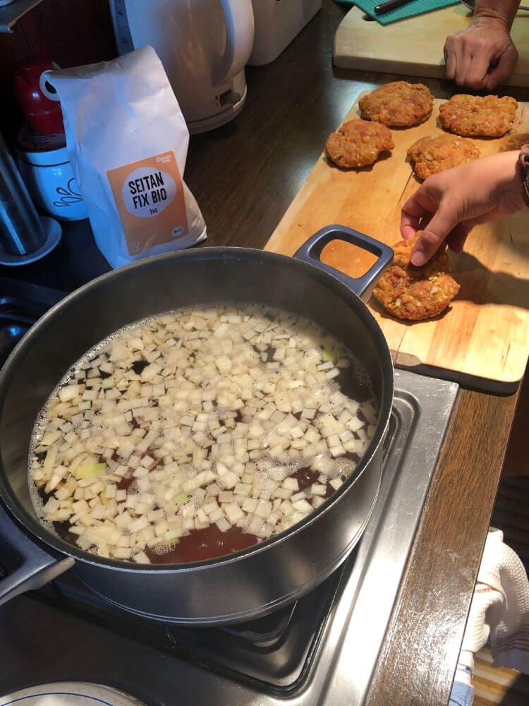 Kuhanje domačih seitanovih zrezkov