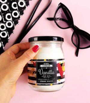 OWN Candles vanilija velika dišeča sveča