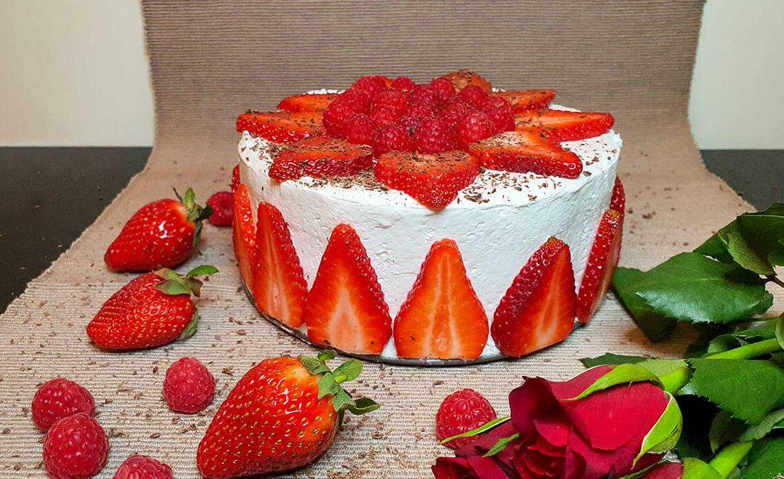 Veganska torta z jagodami