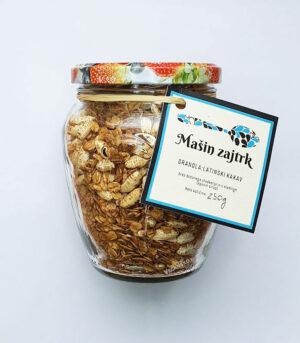 Mašin zajtrk granola latinski kakav