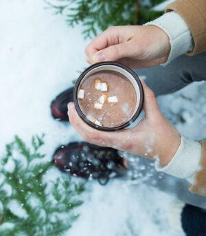 Veganska vroča čokolada z Marshmallowsi